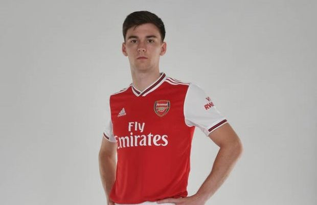 new style 2941f a57fe Photos] Kieran Tierney poses in Arsenal kit after completing ...